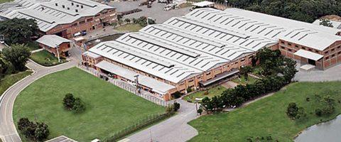 Imagem aérea de uma empresa