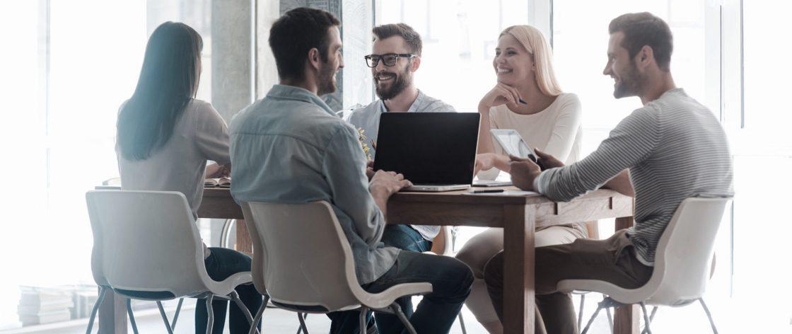 Empreendedores conversando sobre o ERP CSW.